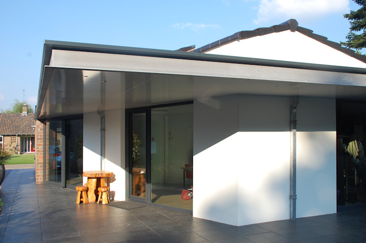Levensloop bestendige woning in Denekamp Moderne huizen van In Perspectief architectuur Modern Houtcomposiet