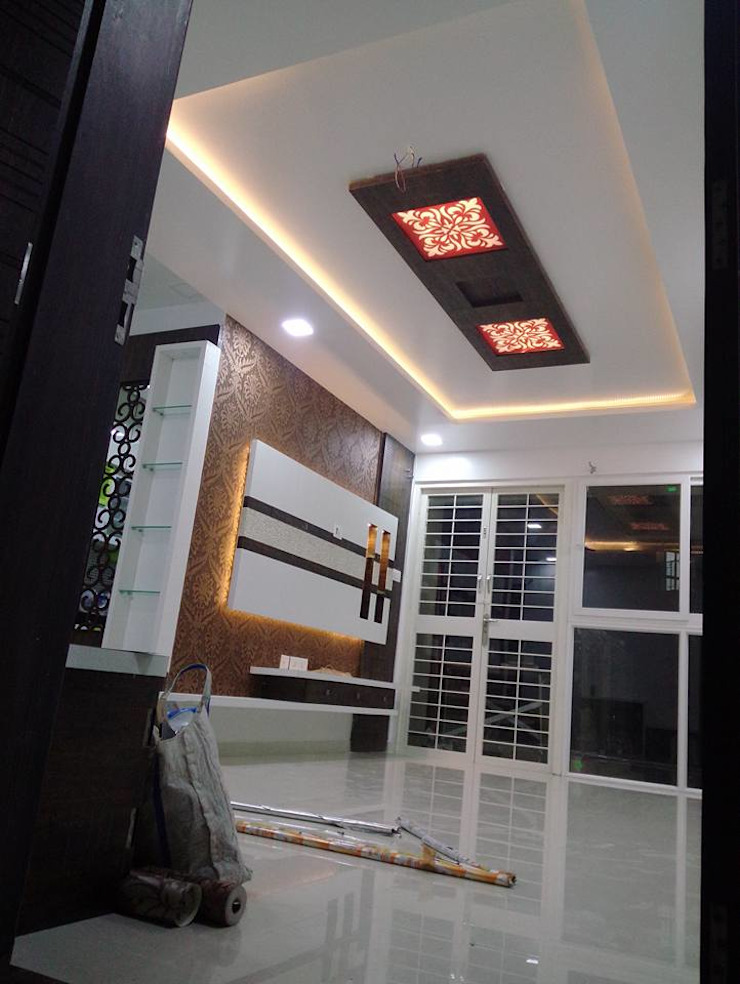 SHARADA INTERIORS 现代客厅設計點子、靈感 & 圖片