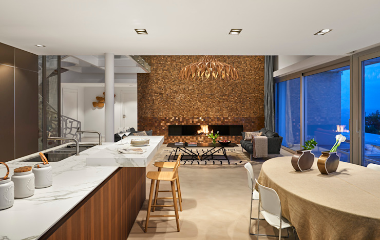 Casa Sant Feliu de Guíxols SOLER-MORATO ARQUITECTES SLP Salones de estilo mediterráneo Madera Marrón