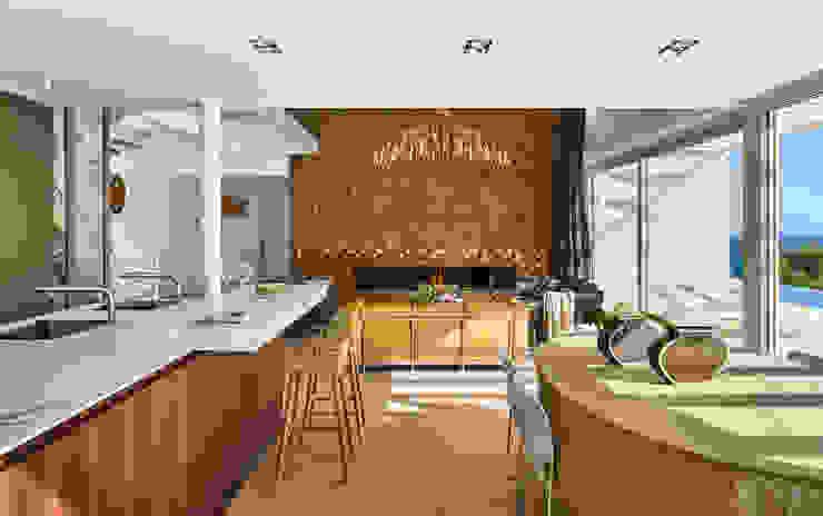 Casa Sant Feliu de Guíxols SOLER-MORATO ARQUITECTES SLP Comedores de estilo mediterráneo Derivados de madera Beige