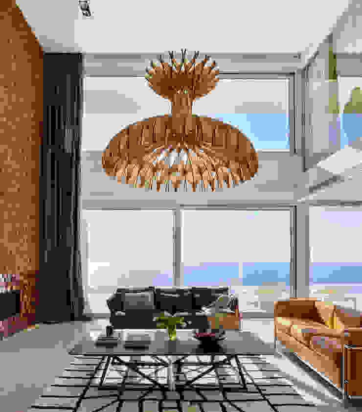 Casa Sant Feliu de Guíxols SOLER-MORATO ARQUITECTES SLP Salones de estilo mediterráneo Madera Blanco
