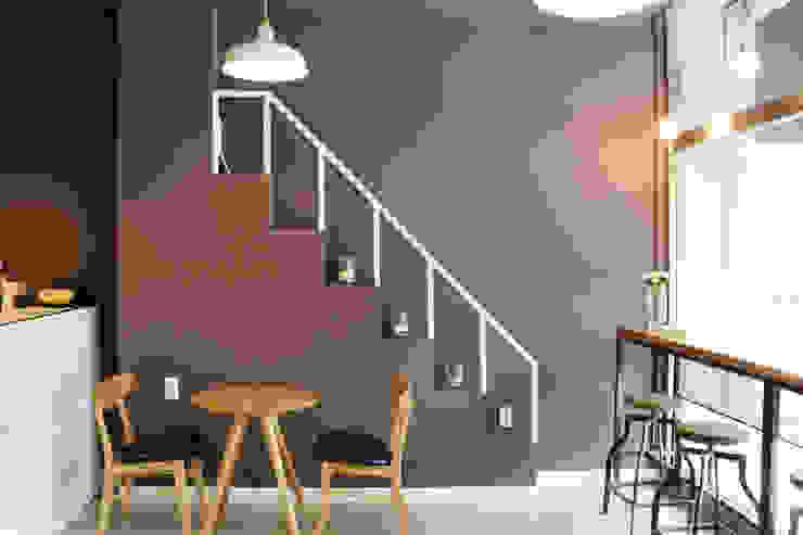 Modern corridor, hallway & stairs by 6point studio Modern
