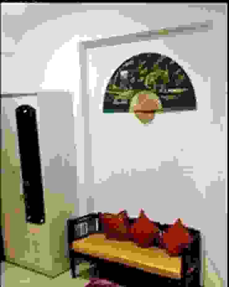 SHARADA INTERIORS Klassische Schlafzimmer