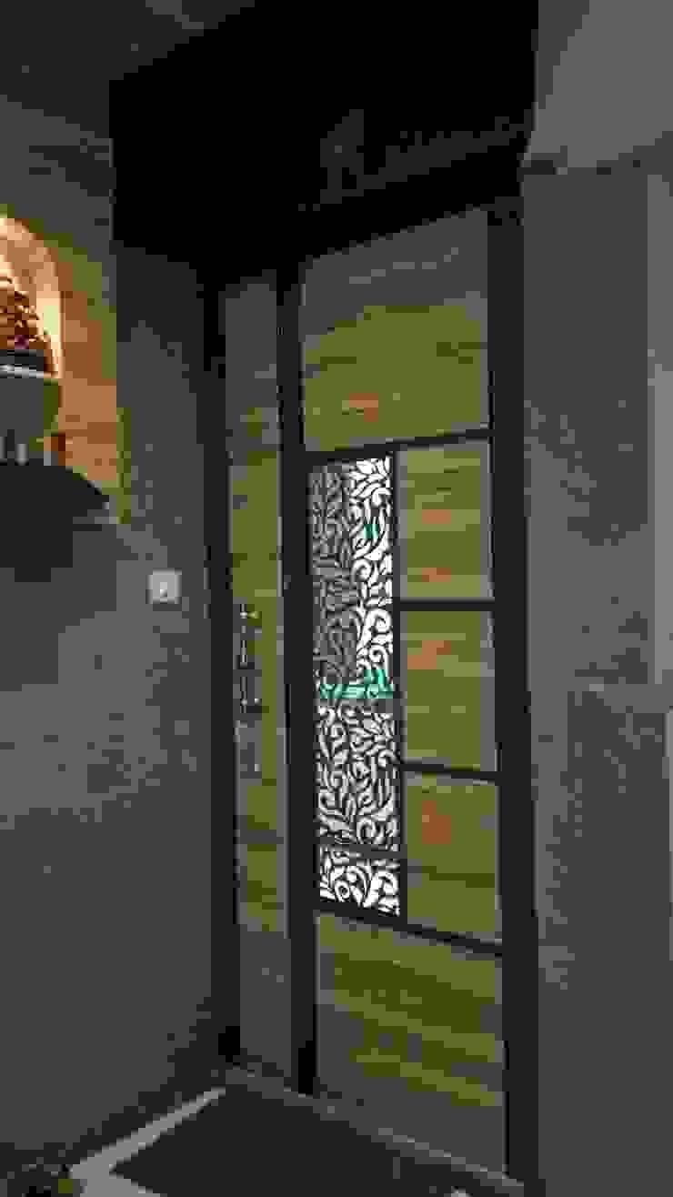 SHARADA INTERIORS Klassische Häuser