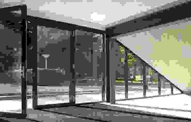 Verbouwing GGz Nijmegen Moderne gangen, hallen & trappenhuizen van MOStudio Modern Glas