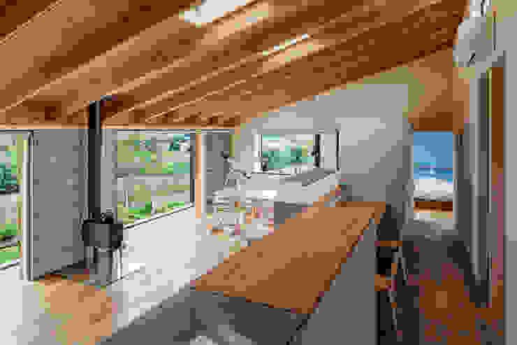 株式会社リオタデザイン Scandinavian style living room