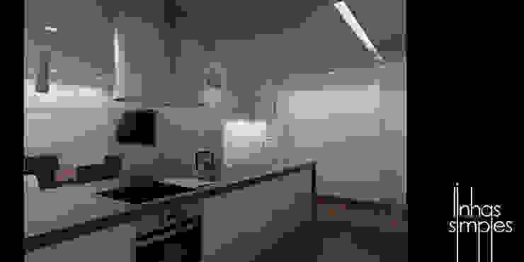 de uma cozinha... para UMA COZINHA / from a kitchen... to A KITCHEN Linhas Simples Cozinhas minimalistas