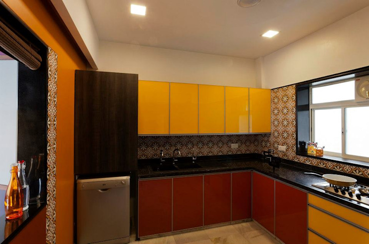 Mittal Residence, Colaba, Mumbai Eclectic style kitchen by Inscape Designers Eclectic