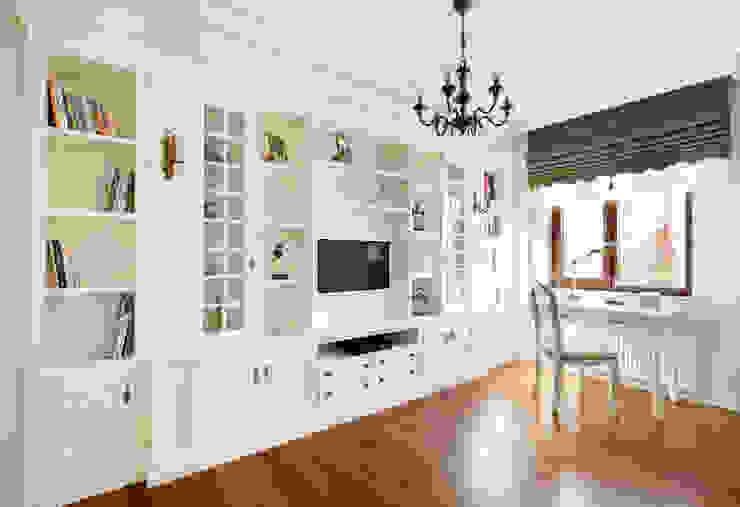 Classic style living room by Öykü İç Mimarlık Classic