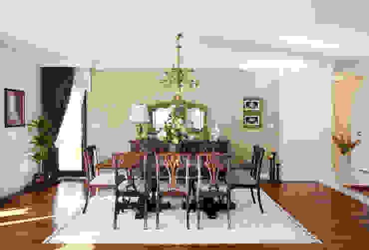 Classic style dining room by Öykü İç Mimarlık Classic