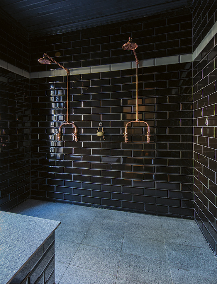 The Black House Industrial style bathroom by Etienne Hanekom Interiors Industrial Ceramic