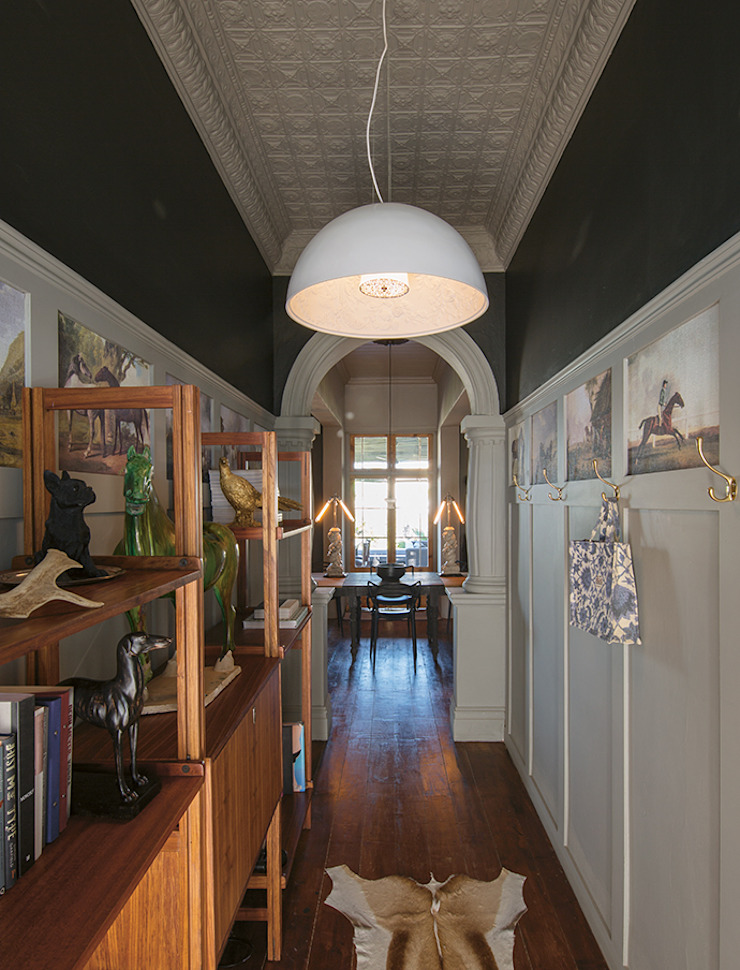 The Black House Colonial style corridor, hallway& stairs by Etienne Hanekom Interiors Colonial