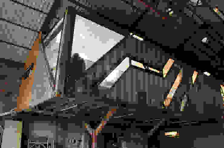 貨櫃辦公室: 產業  by 王家建築師事務所, 工業風
