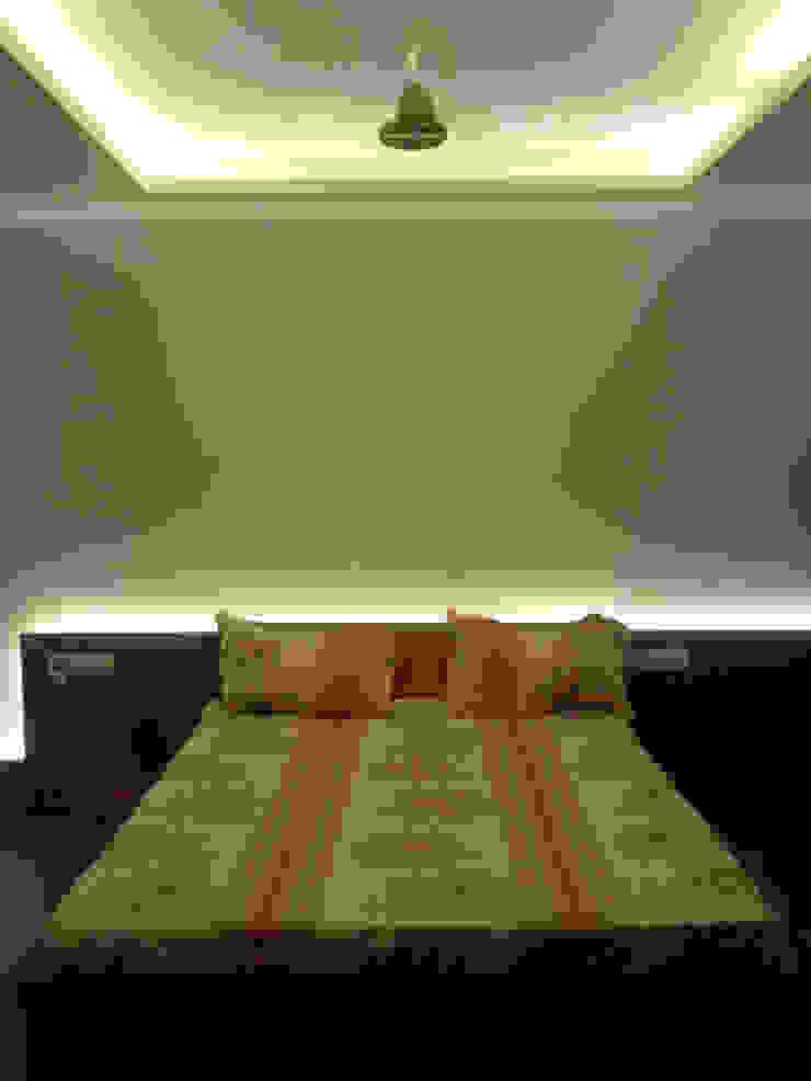 Master bedroom Modern style bedroom by Swastik Modern