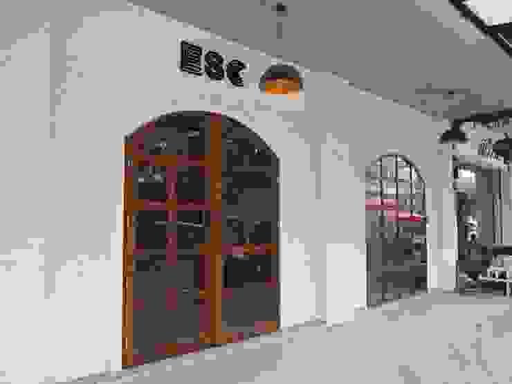Renovate อาคารพาณิชย์. โดย 14 building