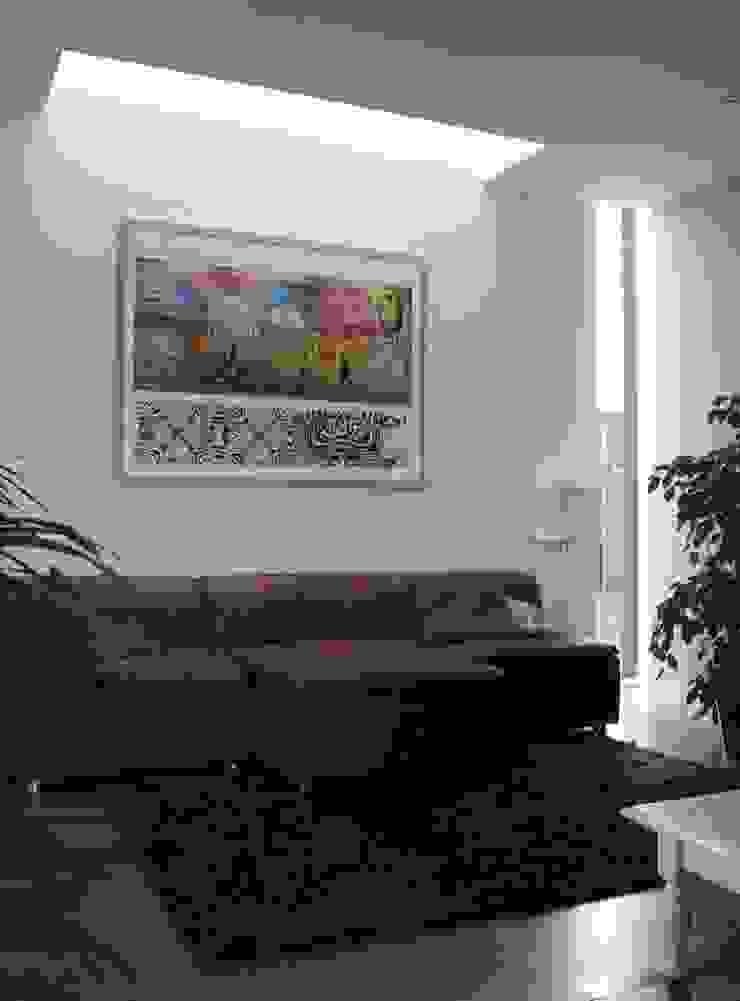 Livings modernos: Ideas, imágenes y decoración de Architectenbureau Jules Zwijsen Moderno