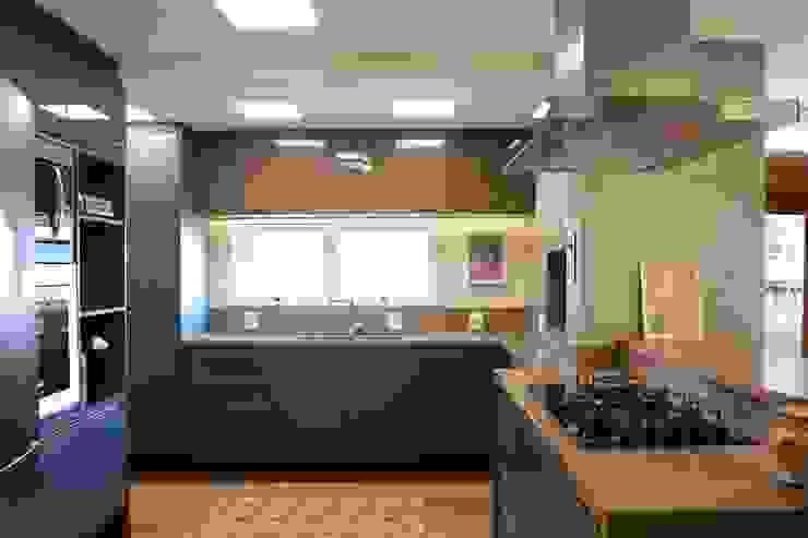 Cozinha Cozinhas modernas por homify Moderno MDF