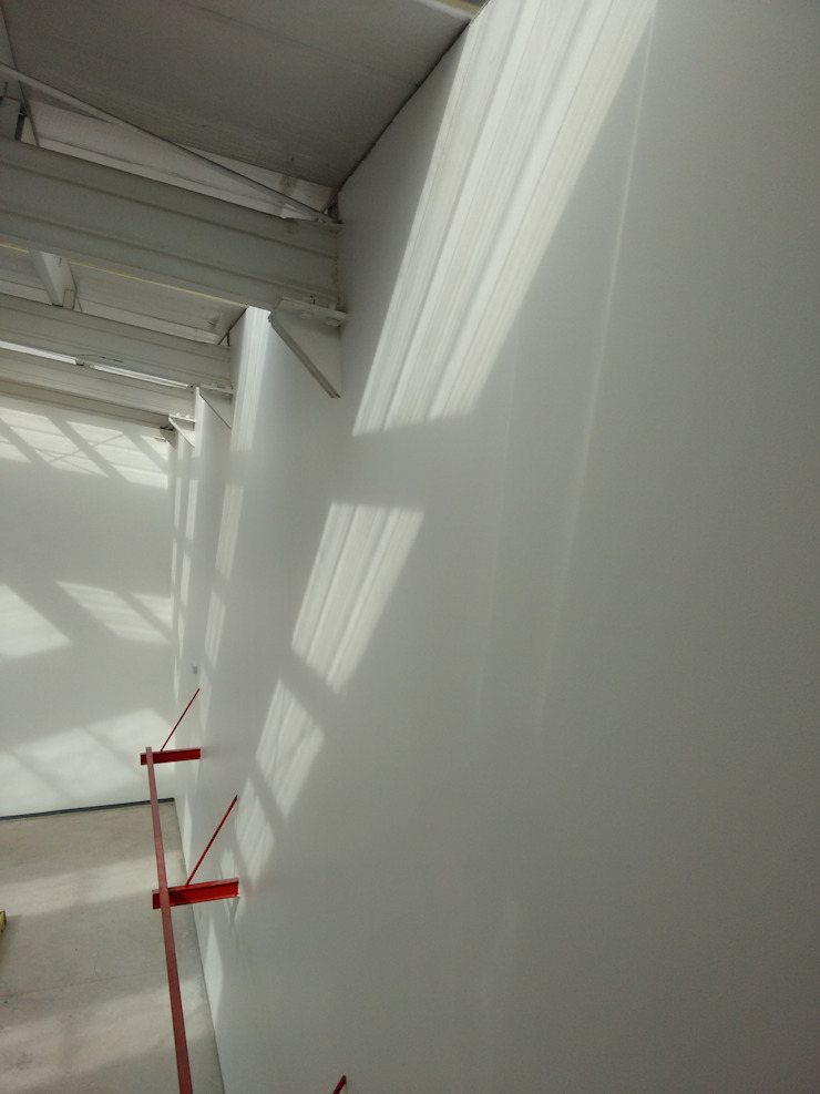 Vista interior-Detalle estructura y entrada de luz de DIMA Arquitectura y Construcción Moderno
