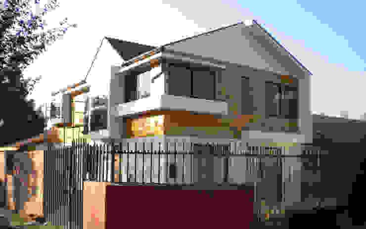 Vista exterior Casas estilo moderno: ideas, arquitectura e imágenes de DIMA Arquitectura y Construcción Moderno