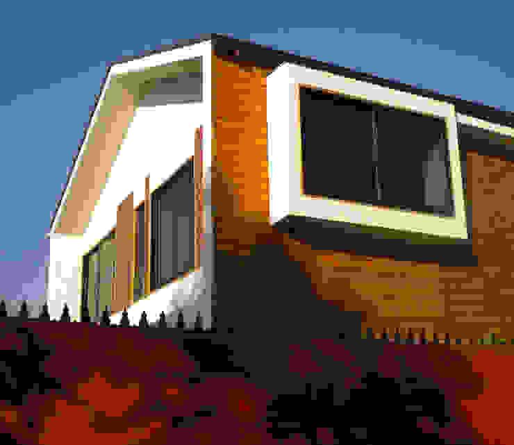 Vista exterior-Detalle de bo-window Casas estilo moderno: ideas, arquitectura e imágenes de DIMA Arquitectura y Construcción Moderno