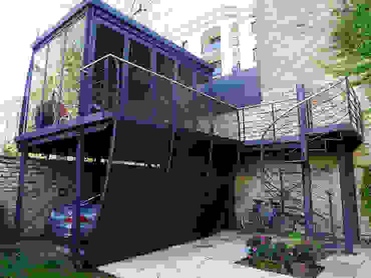 Vincent Athias Architecte DPLG Modern Garage and Shed Iron/Steel Grey