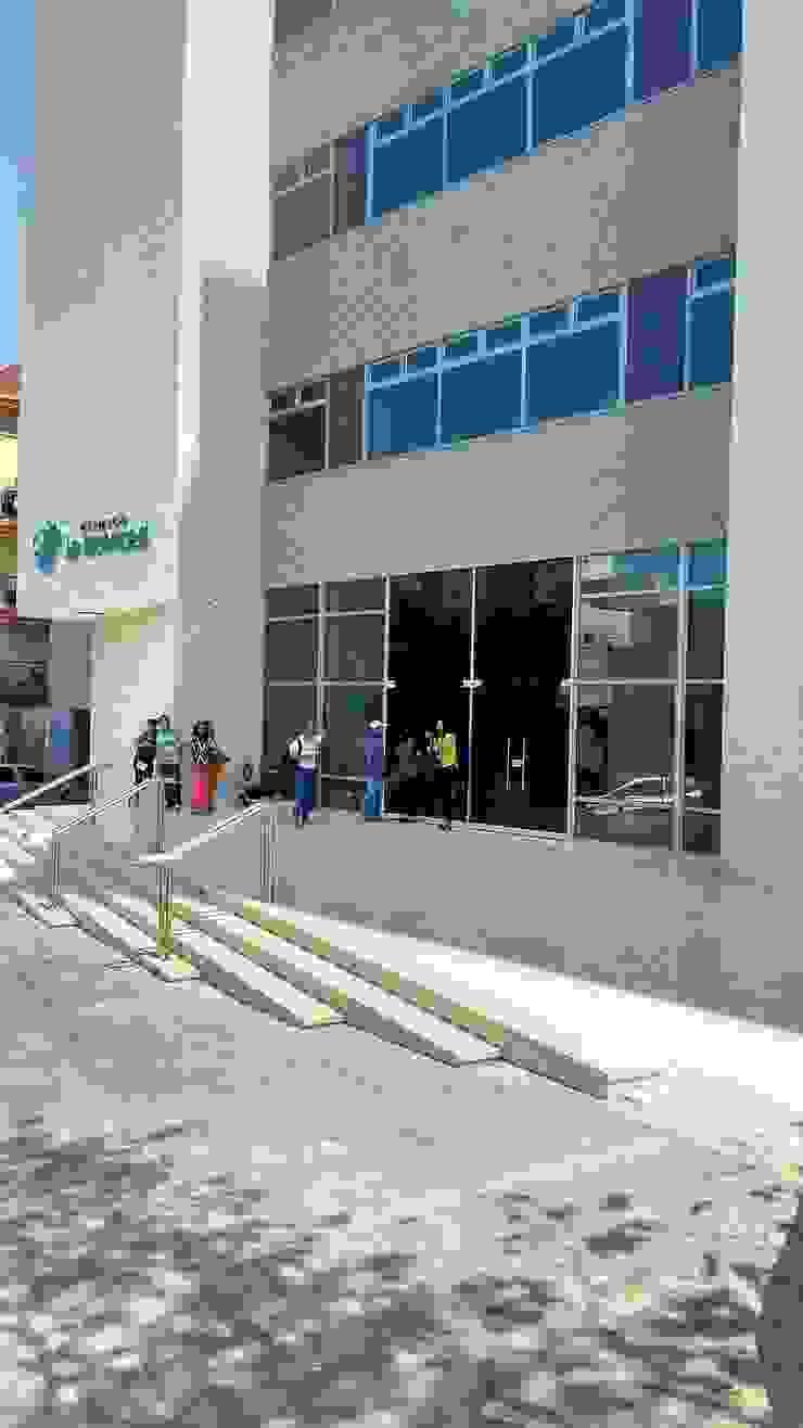 Grupo Moix SAS Clínicas / Consultorios Médicos Blanco