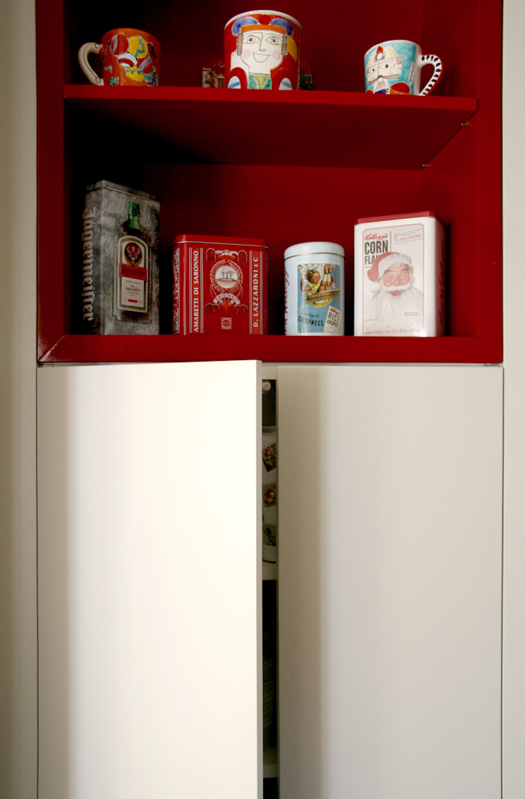 Atelier delle Verdure Eclectic style kitchen Wood Red