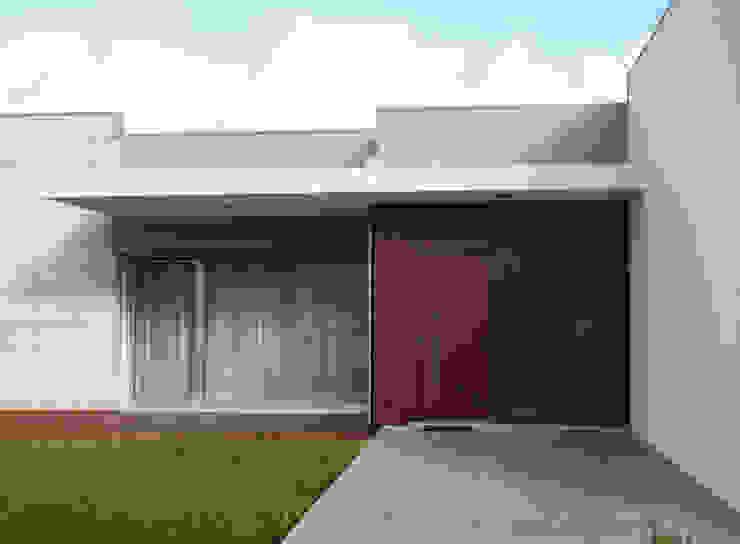Moderne Häuser von GAAPE - ARQUITECTURA, PLANEAMENTO E ENGENHARIA, LDA Modern