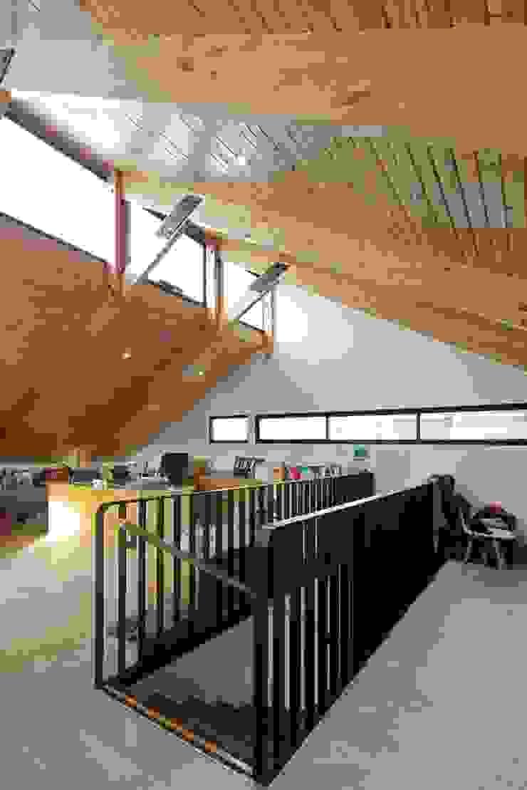 Oficinas administrativas Casas estilo moderno: ideas, arquitectura e imágenes de GAALGO Arquitectos Moderno