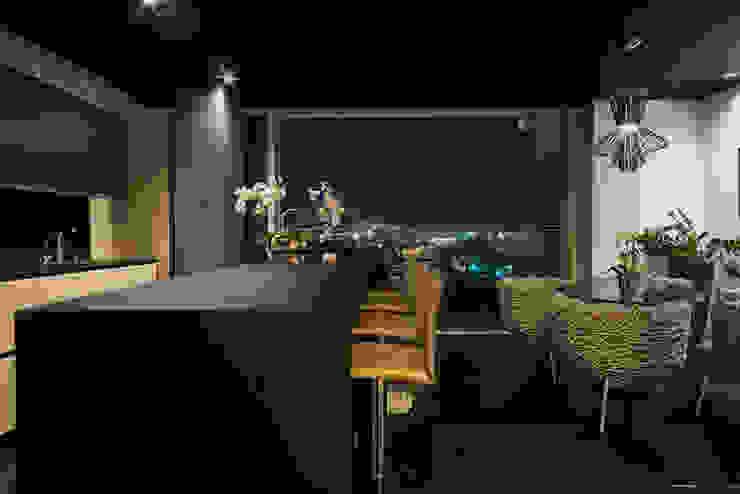 Bar Balcones y terrazas modernos de M+M INTERIORISMO Moderno