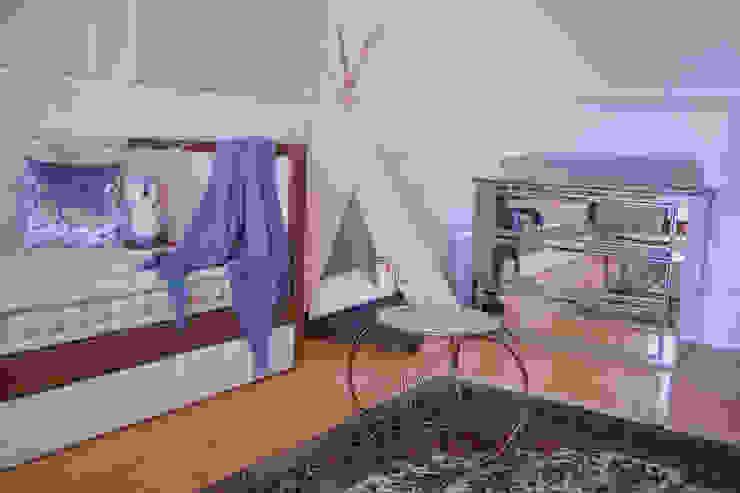 Recámara de bebé Dormitorios infantiles clásicos de M+M INTERIORISMO Clásico
