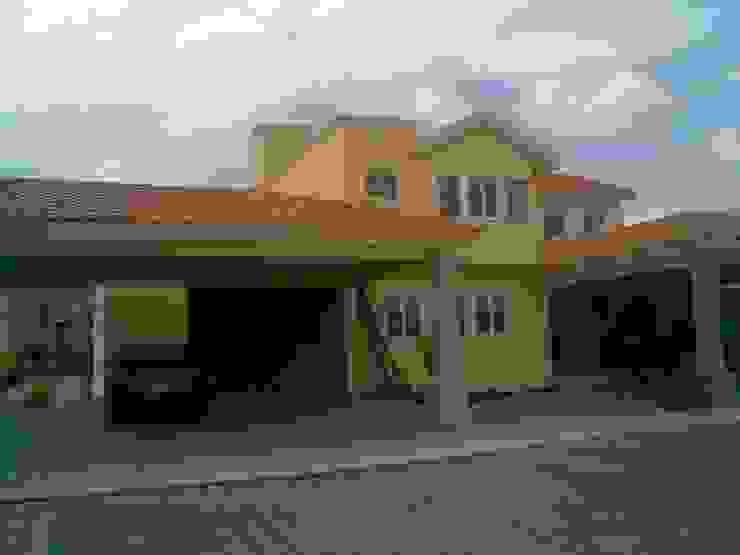 CASA F8 Casas clásicas de SG Huerta Arquitecto Cancun Clásico Caliza
