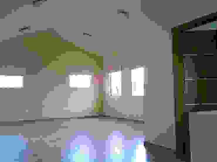 CASA FIERRO Dormitorios clásicos de SG Huerta Arquitecto Cancun Clásico Madera Acabado en madera