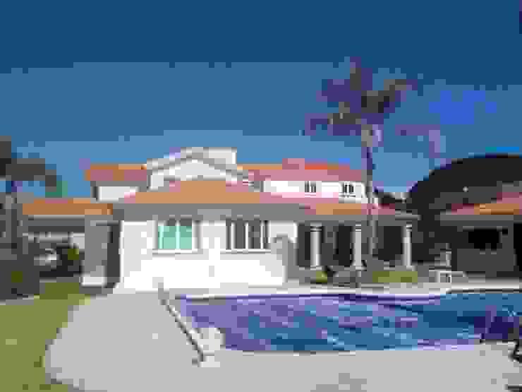 CASA F8 Albercas clásicas de SG Huerta Arquitecto Cancun Clásico Azulejos
