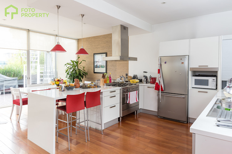 Foto Property Cocinas clásicas de Foto Property Clásico