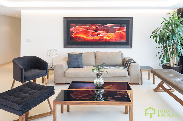 Living room by Foto Property