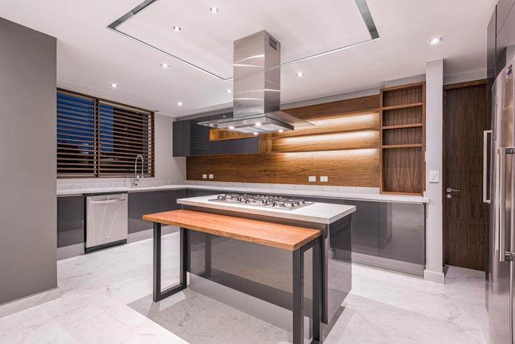 Tamarindos - Sobrado + Ugalde Arquitectos Cocinas de estilo moderno de Sobrado + Ugalde Arquitectos Moderno