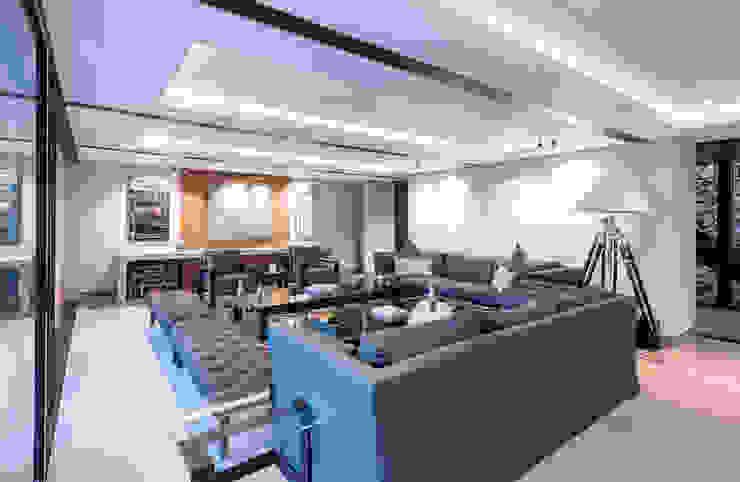 Real de Hacienda III - Sobrado + Ugalde Arquitectos Comedores modernos de Sobrado + Ugalde Arquitectos Moderno
