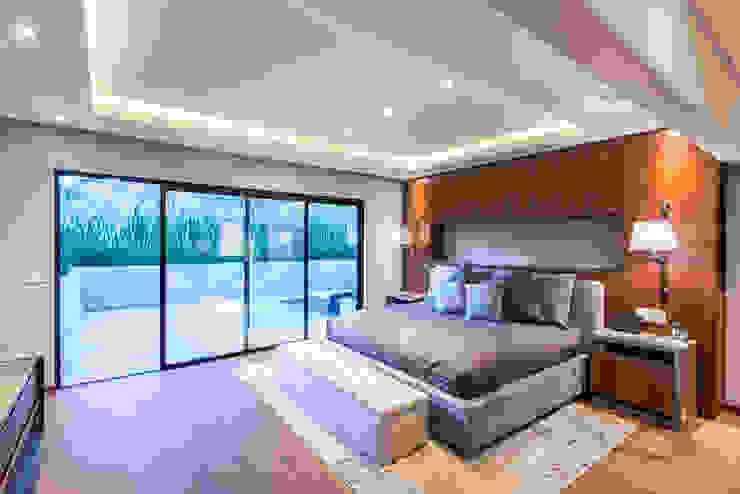Real de Hacienda III - Sobrado + Ugalde Arquitectos Dormitorios modernos de Sobrado + Ugalde Arquitectos Moderno