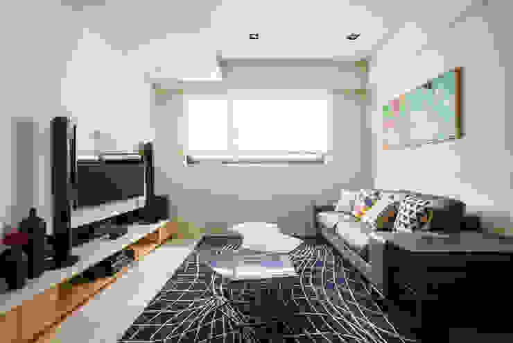 新北 林口 Kuo residence (竹城長崎) 根據 双設計建築室內總研所 北歐風