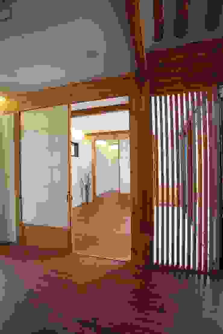 누하동 한옥 클래식스타일 거실 by obrick 클래식