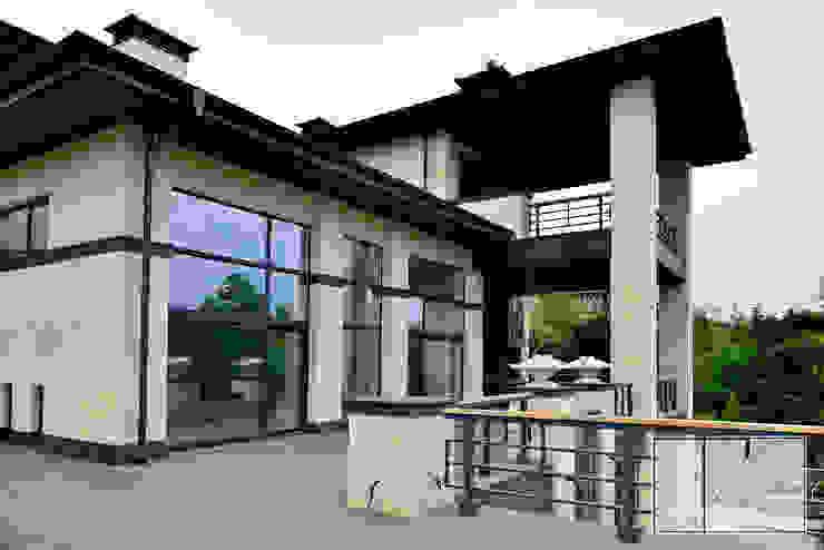 Mediterranean style balcony, veranda & terrace by Архитектурная Мастерская Георгия Пряничникова Mediterranean