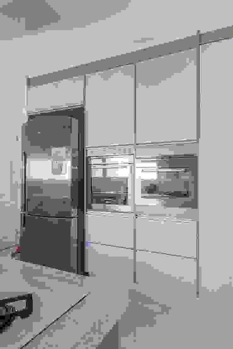Cocinas de estilo moderno de Silvana Borzi Design Moderno
