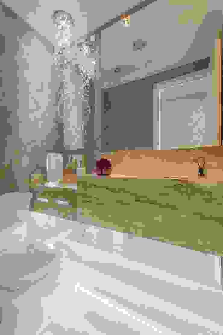 Baños de estilo moderno de Silvana Borzi Design Moderno