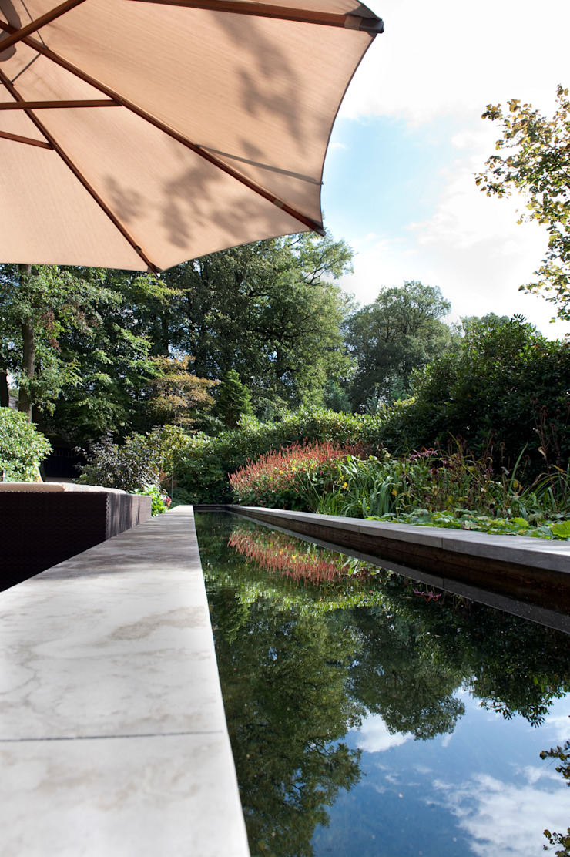 Tien jaar oude terrassentuin Klassieke tuinen van Jaap Sterk Hoveniers Klassiek