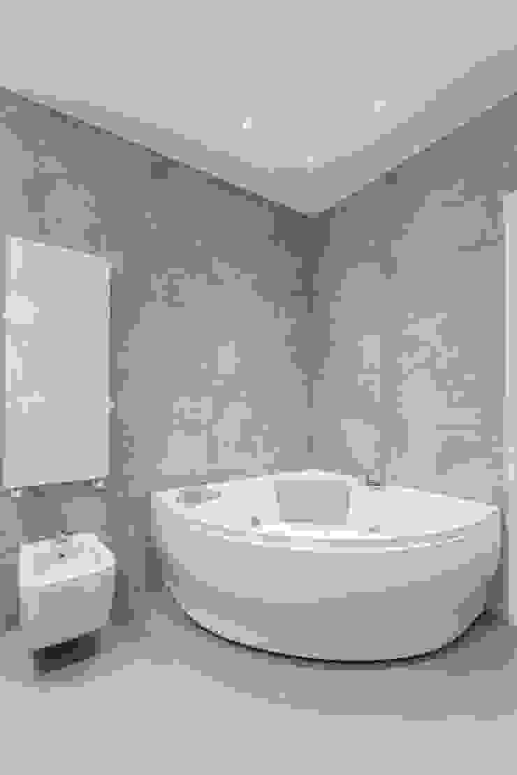 bagno Pareti & Pavimenti in stile moderno di Resin srl Moderno