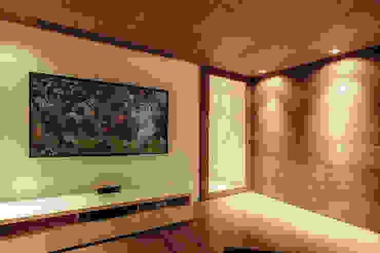LAS OLAS Salas multimedia modernas de Art.chitecture, Taller de Arquitectura e Interiorismo 📍 Cancún, México. Moderno