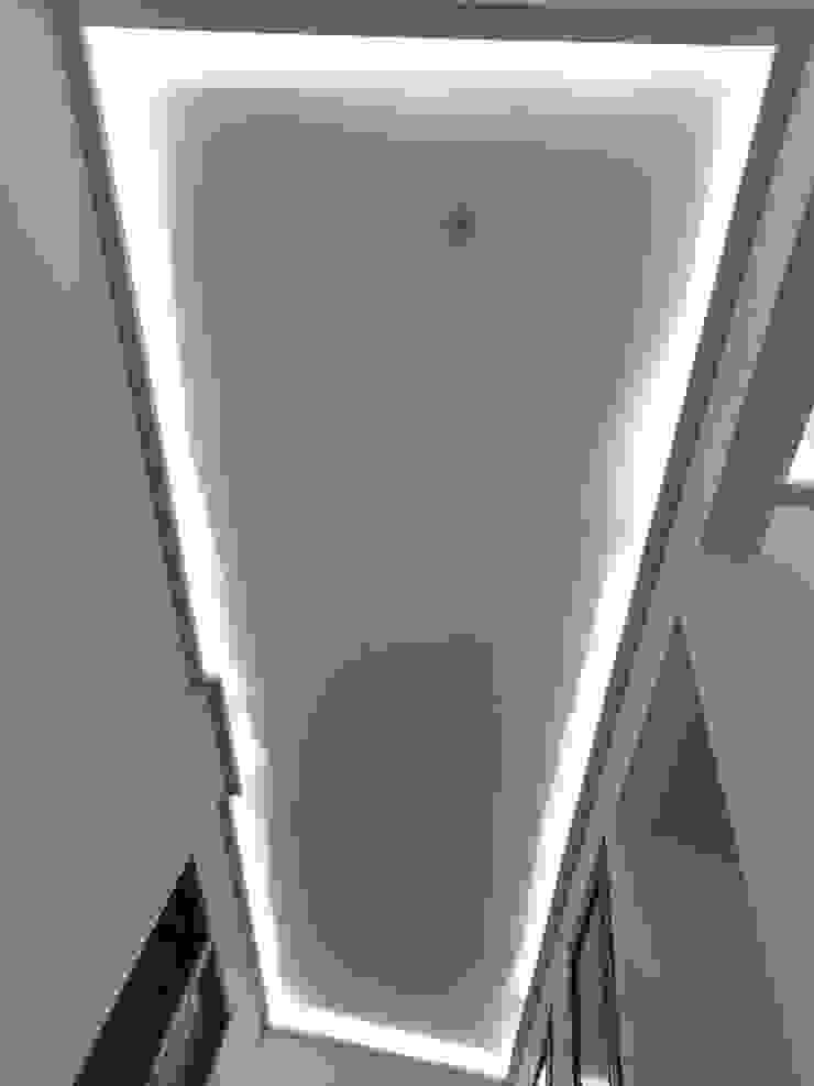 Couloir, entrée, escaliers modernes par Alaya D'decor Moderne Marbre
