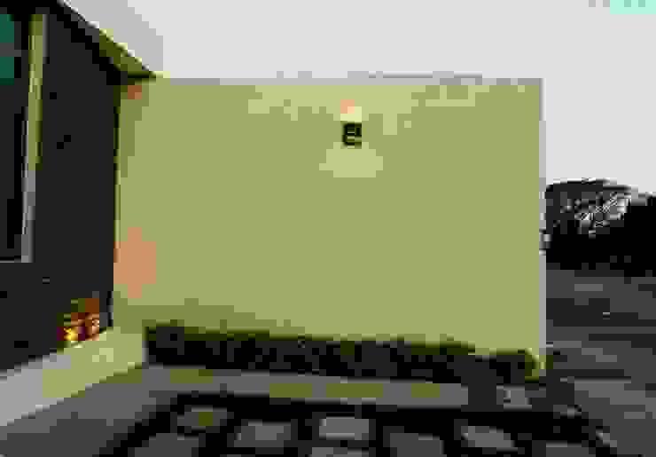 Carpatos #130 MOVE Arquitectos Jardines modernos