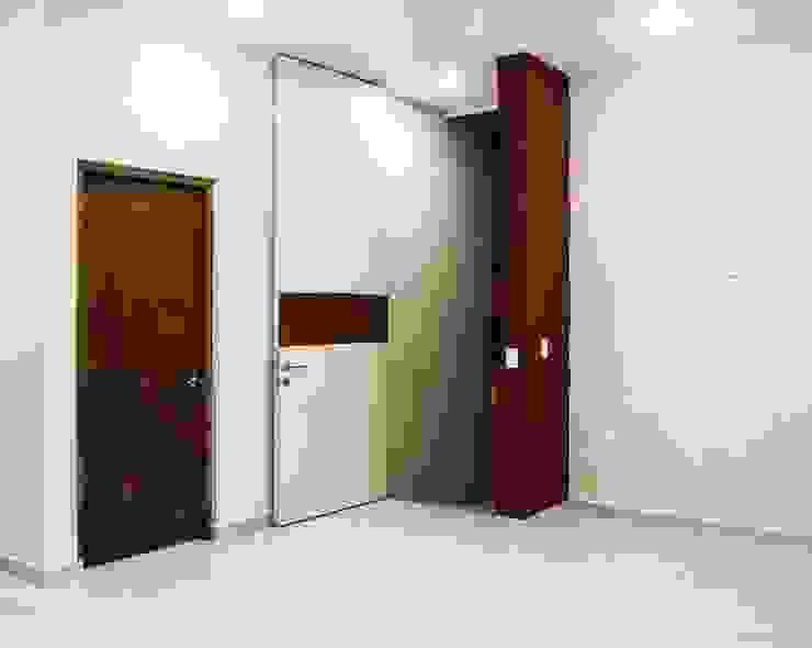 Carpatos #130 MOVE Arquitectos Pasillos, vestíbulos y escaleras modernos